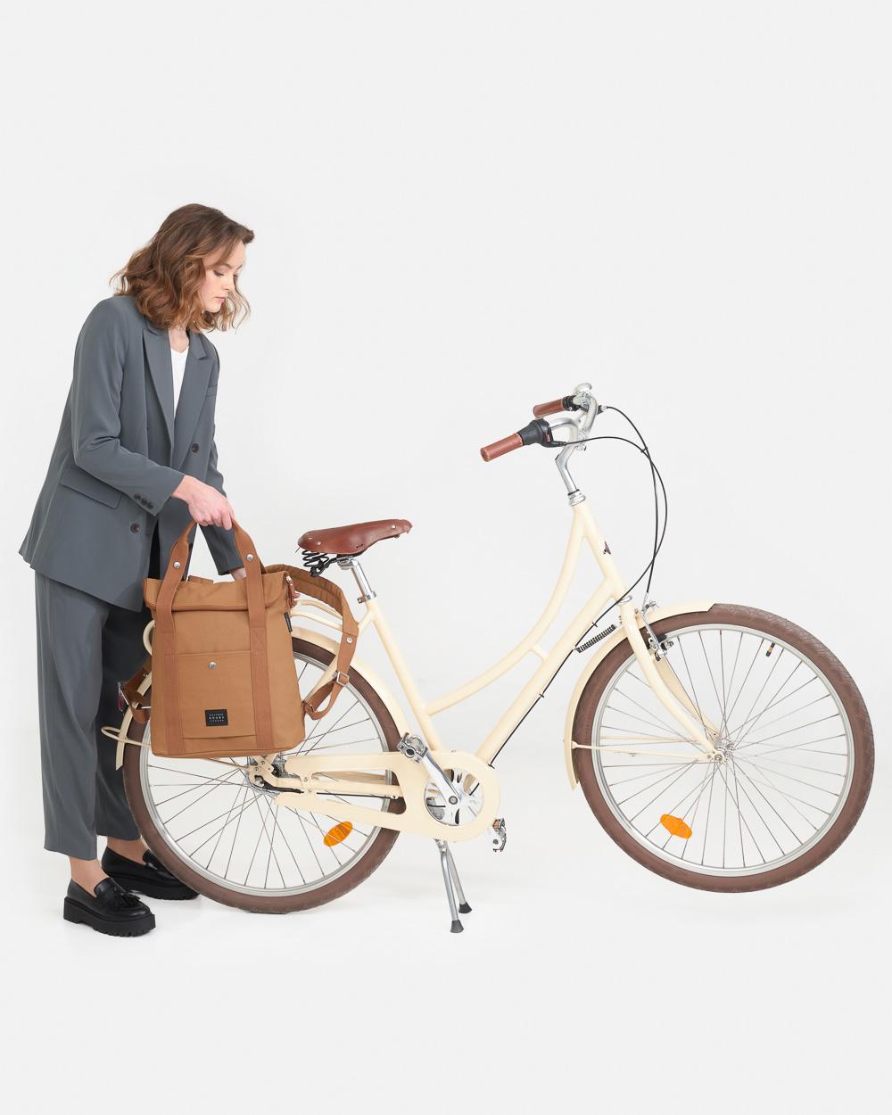 weathergoods-city-bikepack-xl-cognac-home-06-mobile-13