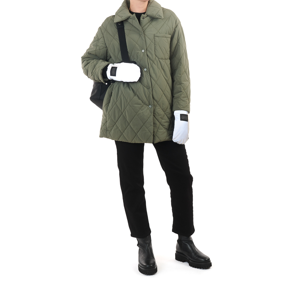 weathergoods luna reflective gloves silver on woman holding backpack